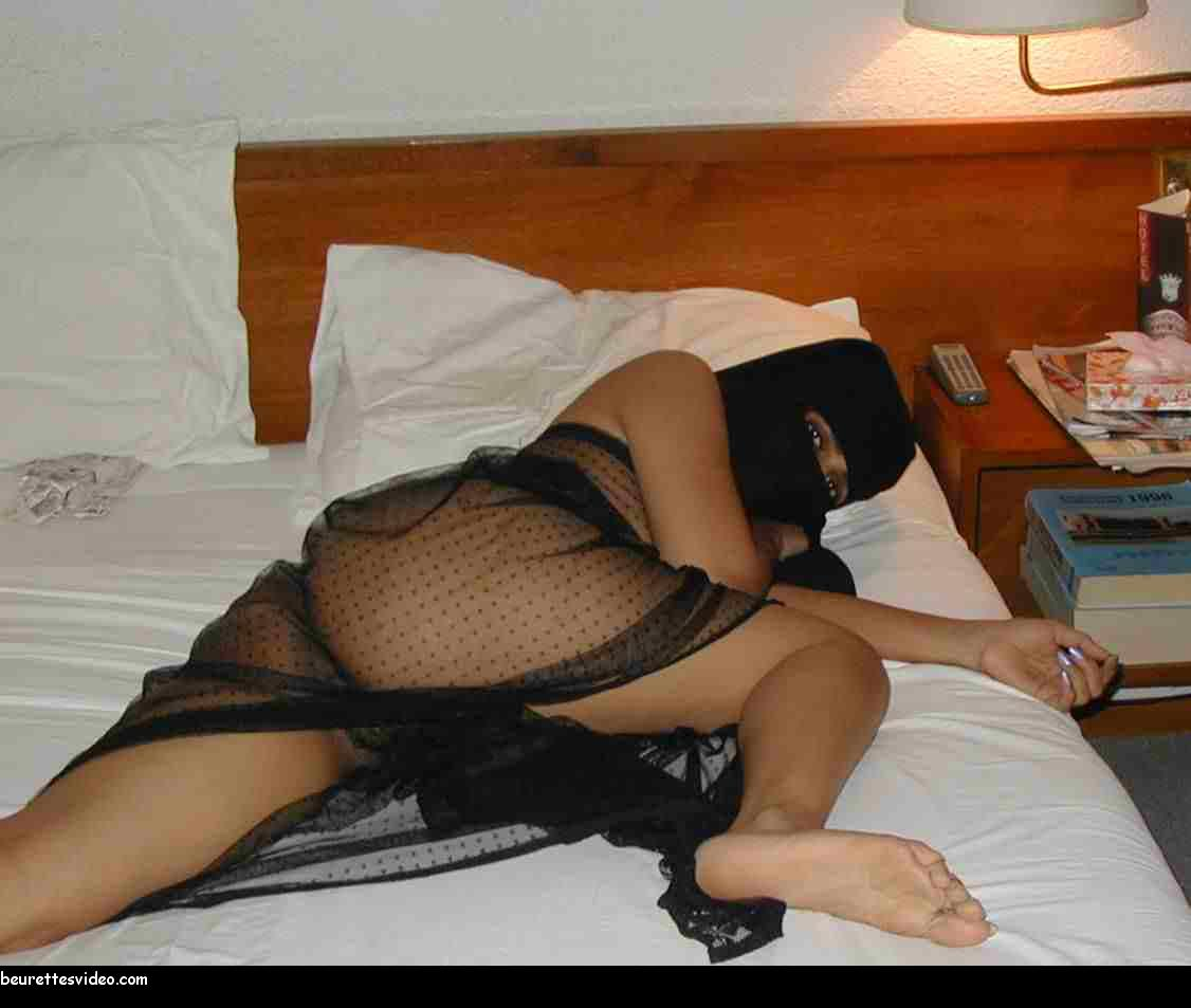 naughty nude women in niqab